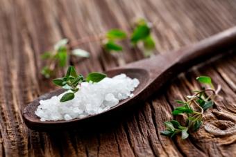 Нужно ли употреблять соль на диете?