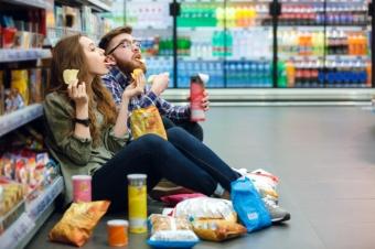 8 причин, почему каждая из нас любит вредную еду