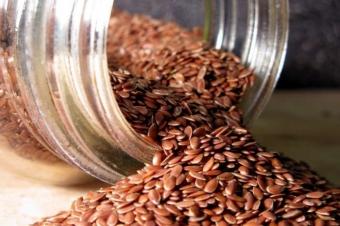 Как правильно принимать семена льна для красоты и здоровья: 3 секрета